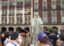 """La Santa Muerte en el Zócalo de la Ciudad de México. Foto © Jorge Arana """"Cokke"""""""
