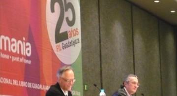 Fernando Vallejo y Luis Ospina en la presentación del documental La desazón suprema, retrato incesante de Fernando Vallejo.